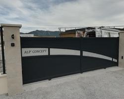 Alp Concept Menuiseries - Aiglun -  Portail Aluminium